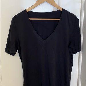 Lululemon v neck t shirt